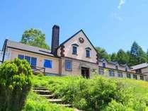 ■和風料理のプチホテル花南 爽やかな風吹く車山高原で、JAZZと旬味覚を楽しめる宿です。