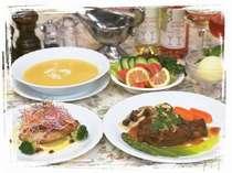 奥様自慢の料理は高原野菜を使い味もボリュームも◎!温かい料理がお客様をお出迎え!