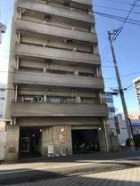 建物すぐ横にコンビニローソンがあり便利です。