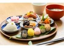 毎回メニューが変わるお豆をテーマにした「健康お豆の朝食膳」をご用意いたします