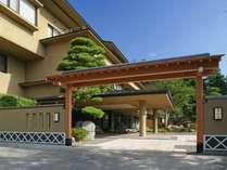 信州松本、浅間温泉の最上部に位置する絶景の宿「山映閣」信州の旬味覚と展望露天風呂が自慢です!