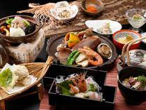 *「冬の小樽浪漫御膳」(写真中央の魚介の陶板焼きは2人前です)