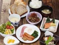 和洋混合の朝食メニューに一新致しました。