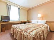 ダブルルーム☆明るく広めのベッド/選べる枕2種