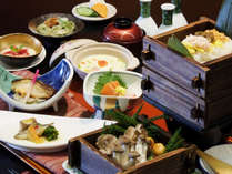 【季節の郷土料理】郷土の恵みや味覚を取り揃えた季節の郷土料理です。
