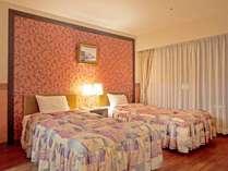 【広々和洋室55平米】ベッドスペース。5名定員の和洋室は多頭利用にも◎!