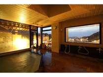 大浴場からは北信五岳を望むことができます(源泉かけ流し・一晩中入浴可能)