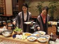 【朝食バイキング】地元食材など、料理長こだわりのお料理をご準備しております。
