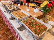 【朝食バイキング】地元食材を使用したメニューを多数ご用意♪