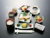 【お膳でご用意!越後の朝定食☆新潟産こしひかり100%!自慢の朝食付プラン♪】