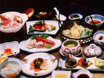 和食料理の一例です。料理内容は季節や日にち等で異なります。