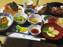 *【お夕食一例】春夏秋冬、季節の恵みを信州の山里から頂き、お料理致します。