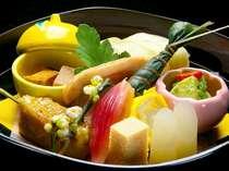 旬の京野菜をふんだんに★ヘルシーな京会席は女性のお客様からご好評いただいております♪