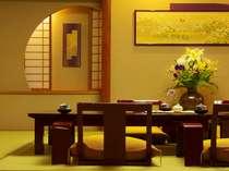 【純和風七草の章】当館で一番グレードの高いお部屋です。漆塗の机や座椅子にもこだわっております。