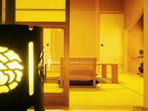 【ゆったり広めの西館和室】移りゆく時間をお楽しみ下さい。