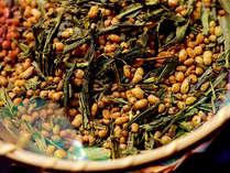 仁淀茶を90度のお湯でじっくりと抽出しております。深みのあるお茶の香りと味をお楽しみ下さい。