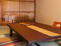 お部屋のとこどころに、鳴子のデザインをあしらっております。