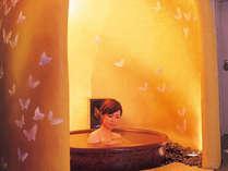 幻想的な雰囲気のかまくら風呂は独り占めでゆったりと。。。