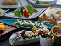 花蝶庵でいただけるお料理の品々は全て創作料理。