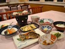 *【夕食一例】メインはすき焼き!甘いタレで煮込み、玉子と絡めてどうぞ♪