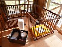 *コテージ ペットゲージを御用意してますので同じお部屋で宿泊でも安心です。