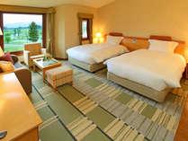 【ツインルーム(洋室)】35平米の非常に広々としたお部屋です。カップルやご夫婦におすすめです。