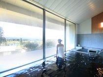【美しの湯】あてまの大地を唯一眼下に見下ろす別館大浴場。