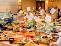 【コスモス(夕食)】和洋中の各シェフが手がける味わいをぜひご賞味下さい!