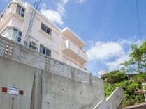 かりゆしコンドミニアムリゾート沖縄グリーンガーデンヒルズ外観