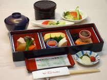 【朝食~和食~】ご飯、味噌汁、のり…朝から食欲が進みます♪