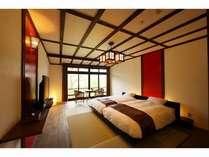 2階大正モダン、赤い壁が印象的な、アジアンテイストのお部屋です。