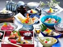 彩り豊かな会席料理でおもてなしいたします。