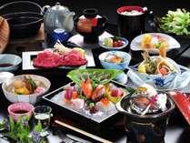 豪華7種のお造りや鮑陶板焼、牛肉しゃぶしゃぶなど、スタッフおすすめの会席料理プランです。