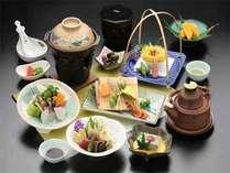 ◆【ミネラルウォーター付】山や川の旬の恵みを贅沢に!夕食は~里山会席~【夕朝食付】