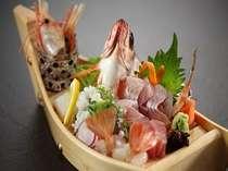 【グルメ旅】豪華なキトキト刺身舟盛り!&上撰会席