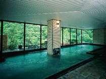 眺望バツグンの露天風呂付き大浴場『渓の湯』
