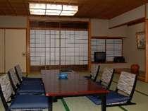 和室20畳お部屋の窓からの景色がありませんがレストラン・大浴場・露天風呂からの眺めは最高です。
