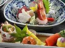 ●旬の前菜とキトキトのお造り。富山湾のお魚をお召し上がりください。