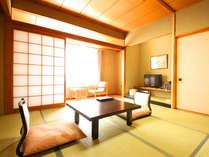 【本館リーズナブル客室8畳】宿泊より食事や観光を重視したい方にオススメです。