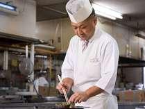 【伝統を受け継ぐ料理人】プロが選ぶ日本のホテル・旅館百選 料理部門で県内唯一の16年連続入選