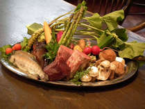新鮮なものをその日のうちに。お野菜もお肉もお魚も、美味しくお召上がり頂けるようシェフの魔法で大変身!