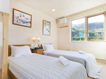 *室内一例/ゆったりとしたベッドルームで朝までぐっすり。
