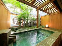 源泉掛け流し露天風呂付客室【10畳】でプライベートな空間を満喫♪