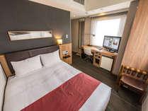 ≪ダブルルーム≫シックな照明と広~いベッドでまったりお過ごし頂けます♪