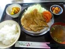 『2食付』夕食:ビタミン豊富なもち豚の生姜焼き!朝食:酵素・ビタミン・カルシウム豊富なネバネバ丼!