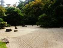 【枯山水】石庭も季節ごとに異なる楽しみがございます。