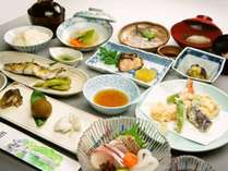 並会席の一例です。四季折々の会席料理をお楽しみください。