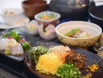 *【ご夕食例】奄美の伝統料理で今も島民に愛されている「鶏飯」