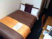 ◇(セミダブルベッド)…お部屋はコンパクトですが広いベッドで快適に♪