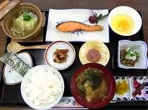 【朝食一例】朝から味もボリュームも大満足◎